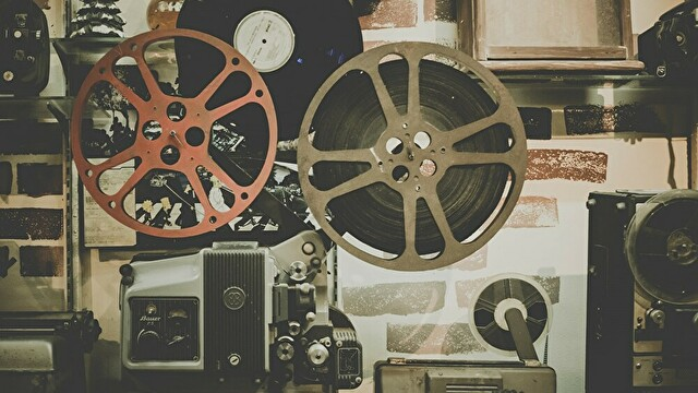映画「大停電の夜に」で、豊川悦司さんが弾いている曲