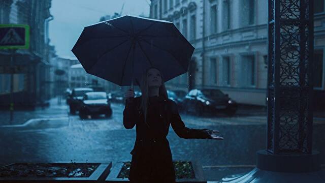 雨の日とコントラバス/ウッドベース