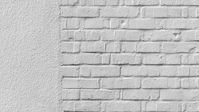 コントラバス/ウッドベースは壁を向いて練習すると良く聴こえて楽しい話