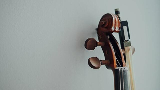 バッハの無伴奏チェロ組曲の中で、ベースで弾きやすい曲【ソロの上達】