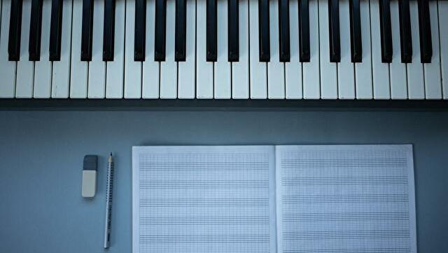 スタンダードの楽譜から「平行調」を探してみよう【ジャズのお勉強】